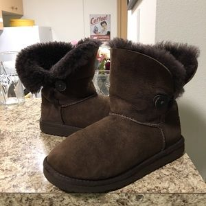 •LOW PRICE•$174 RETAIL AUTHENTIC UGG BAILEY BUTTON